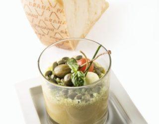 Ricette light: Il Gazpacho di melone, zucchine e pomodorini ciliegino con Grana Padano D.O.P. al basilico, frutti di cappero e semi di zucca