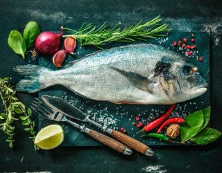 Mini guida per consumare il pesce crudo in sicurezza