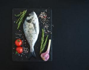 Pesce surgelato o fresco? Quale scegliere se vuoi mangiare pesce crudo