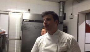 Il giovane chef Arcangelo Tinari del ristorante Villa Maiella propone una cucina viva, risultato perfetto del felice matrimonio tra prodotti abruzzesi e tecnica.