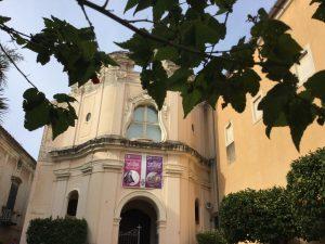 Da non perdere la Chiesa dell'Annunziata, che conserva preziosi affreschi del Trecento e Quattrocento