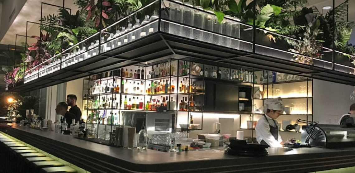 Botanical club gin