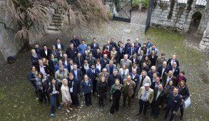 Summa, lo storico appuntamento enoico organizzato da Alois Lageder a Casòn Hirschprunn e Tòr Löwengang, Magrè, in provincia di Bolzano, celebra 20 anni di vita. Un anniversario importante che ci consente di ricordare le motivazioni della sua origine.