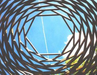 Vicino a Levico Terme, Arte Sella èun esempio di come la natura si possa confondere con l'arte.Manifestazione internazionale di arte contemporanea, nata nel 1986