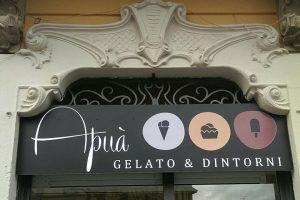 insegna gelateria Apuà a Milano in Corso Lodi