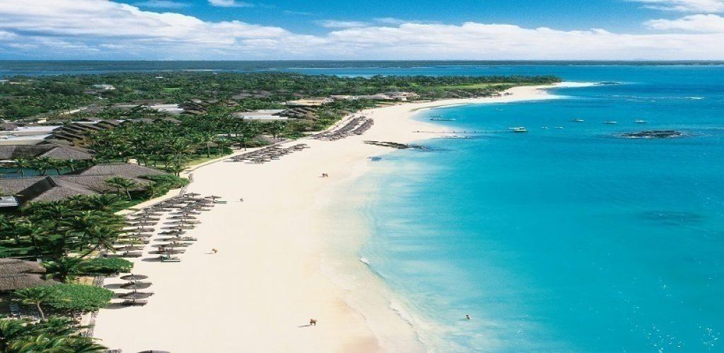 """Seguendo il consiglio di Mark Twain: """"Dio creò prima Mauritius e poi il Paradiso"""", Famelici vi suggerisce una vacanza in questo arcipelago nell'Oceano Indiano"""