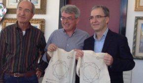 Famelici ha intervistato il sindaco di Botrugno, piccolo paese dell'entroterra salentino, Pasquale Barone.