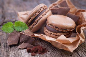La ricetta, le origini e le diverse versioni del macaron