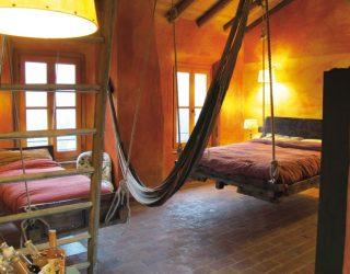 Oasi di Galbusera Bianca: l'agriturismo di carme, in Brianza, dove puoi dormire in una stanza colorata che ti racconta una storia