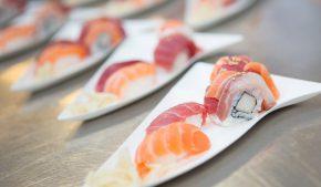 Sushi, sashimi, carpaccio, tartare e altre preparazioni a base di pesce