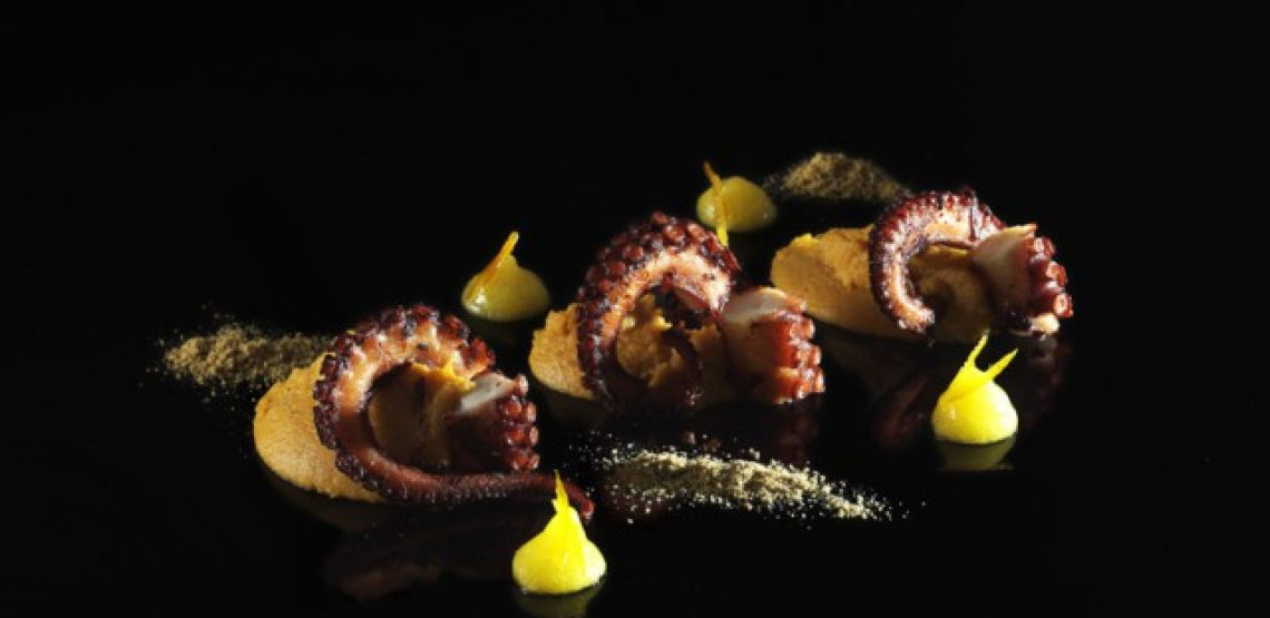 ricette autunnali: polpo abbrustolito con purè di patate americane e gel di arancia