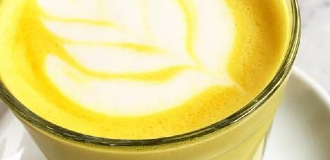 Golden milk, blue milk da Panini Durini a Milano