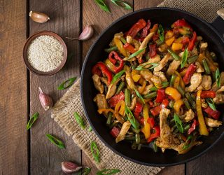 Pollo con peperoni: la ricetta