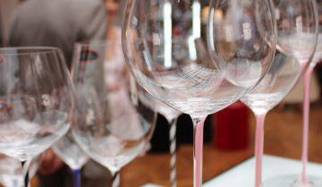 Come si sceglie un bicchiere da vino?