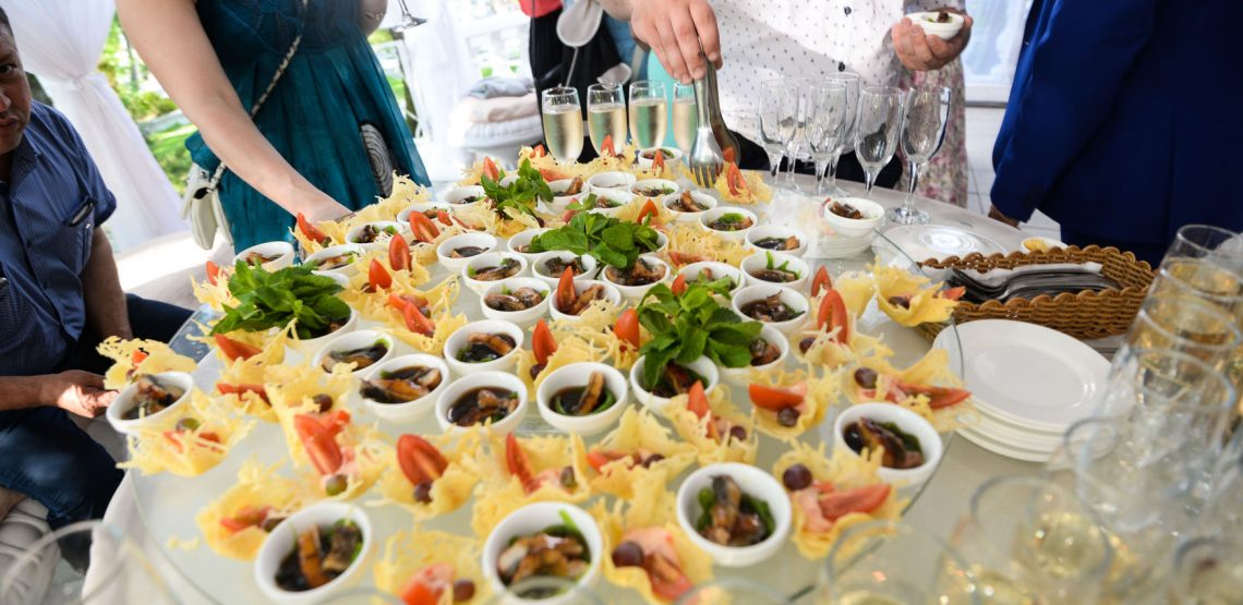 I Millennials e il cibo: il food è preferito alla moda. Succeddo del biologico