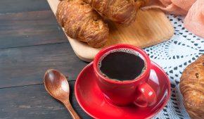 Il caffè del futuro: come cambia il modo di servirlo. IBM studia un drone per servirlo subito senza più andare alla macchinetta