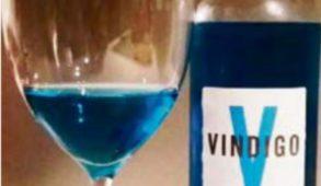 Vindigo: vino blu. Solo moda? Vino o bevanda a base di vino?