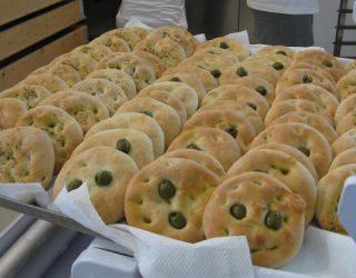 focaccine alle olive: la ricetta