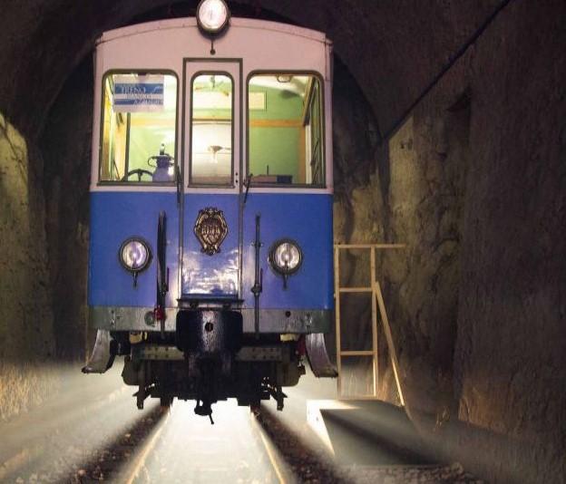 mercatini di Natale, San Marino: galleria Montale e treno bianco-azzurro