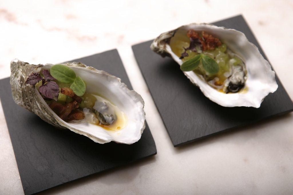 A Milano Mater Bistrot: ostrica con guanciale e frutta