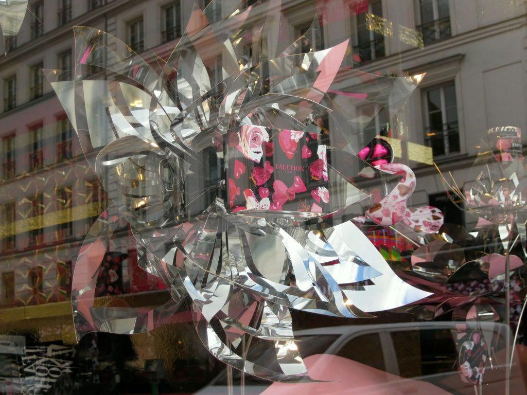Parigi raccontata dalle vetrine delle pasticcerie
