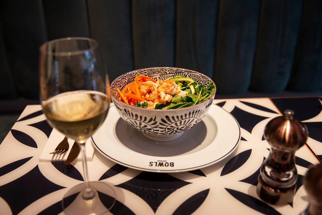 basta sushi arriva la poké bowl