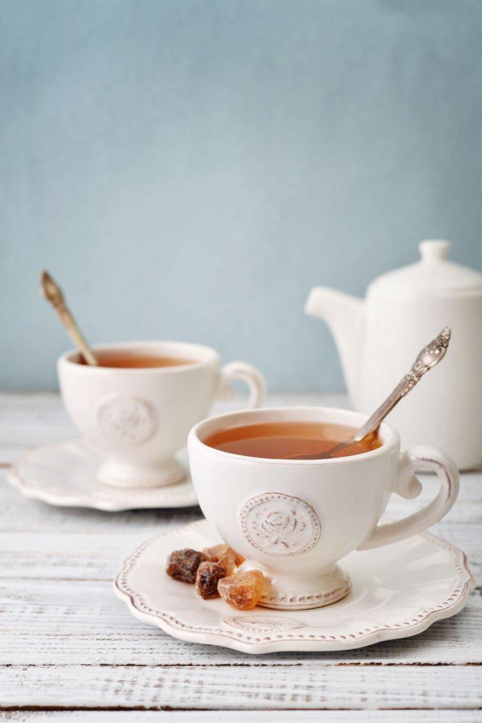 bon ton internazionale a tavola: il rito del té