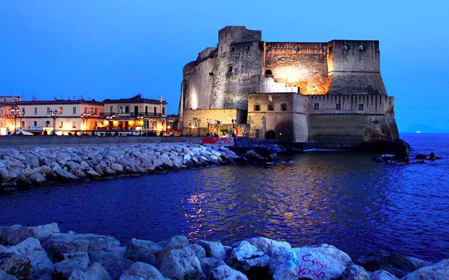 Le città italiane raccontate da scrittori italiani: napoli raccontata da Elena Ferrante