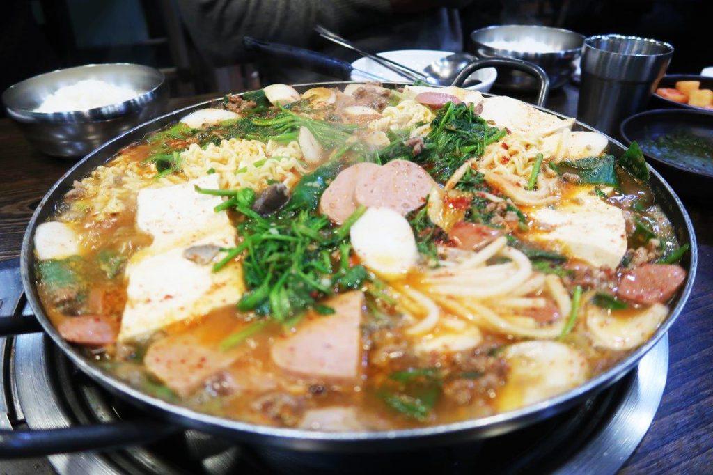 la cucina coreana: budae jjigae
