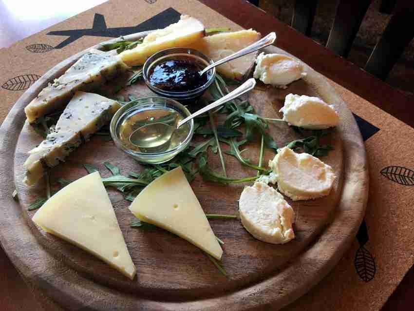 dizionario autunnale: come fare un tagliere di formaggi perfetto