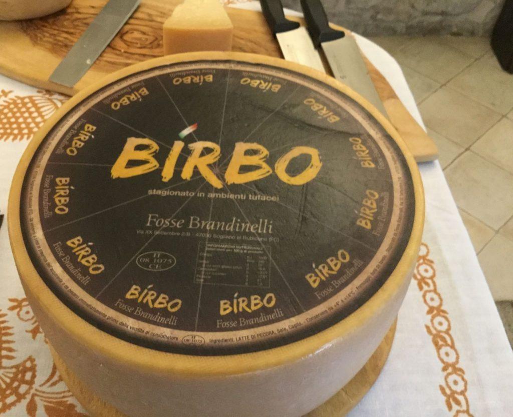 week end tra cibo e cultura: formaggio di fossa