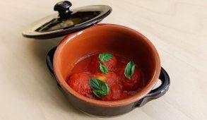 Come si fanno le pallotte cacio e ove secondo la ricetta del ristorante Orma Bruna di Milano
