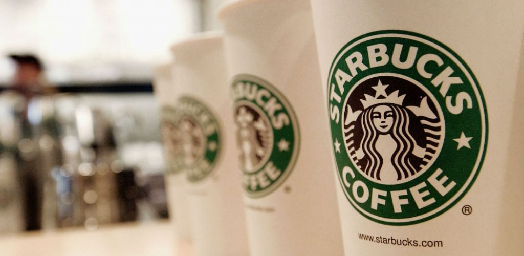 Starbucks chiude 400 caffetterie