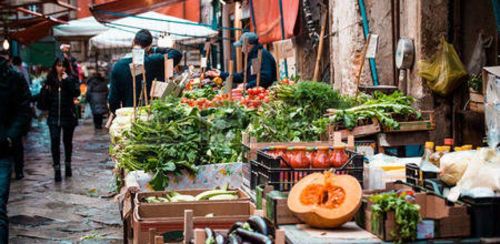 Le città Scopritele al mercato. Ballarò a Palermo