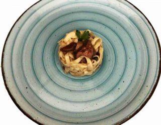 tagliolini con i funghi, una ricetta autunnale della cucina piacentina