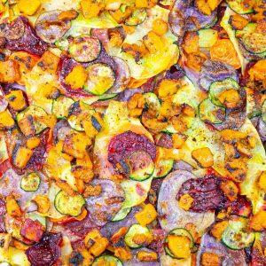 5 pizze straordinarie di alice pizza: ortolana Super Veg con patate, zucca, carote, zucchine, patate viola e rapa rossa