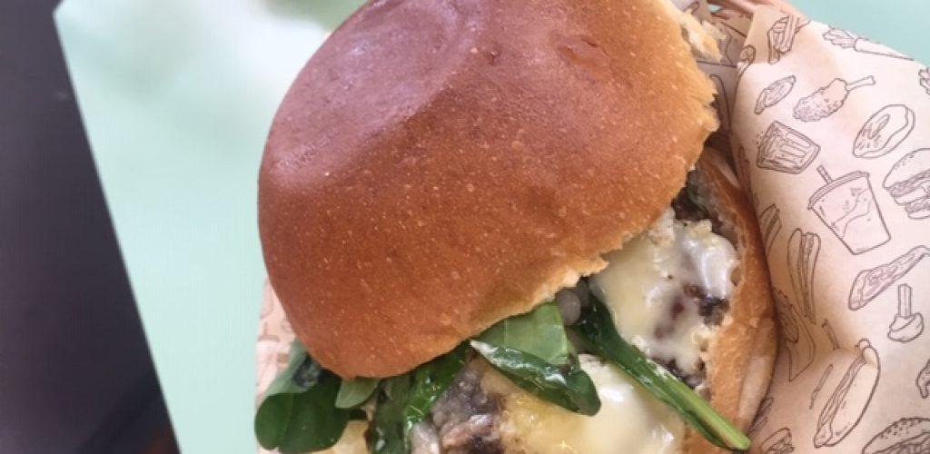 Burbee, il burger bar da 5 stelle, hamburger di ottima qualità
