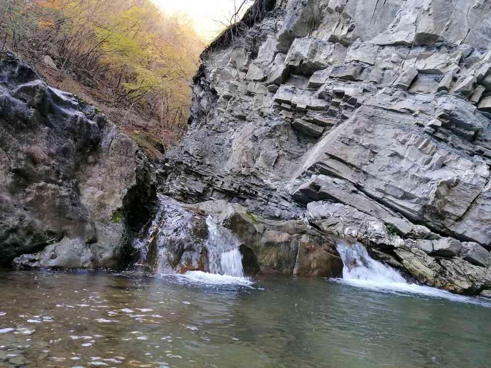 calendario dell'Avvento piacentino: le cascate del perino nei pressi di Bettola (Piacenza)